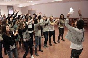 Miembros del Movimiento Juvenil, en uno de los ensayos.